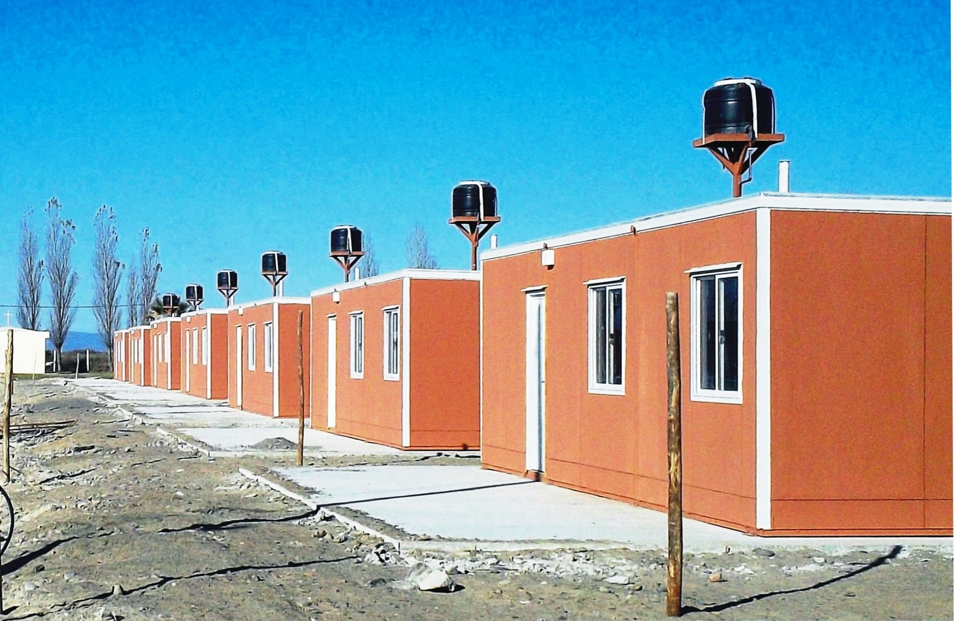 Construcción de 150 viviendas de emergencia, M de DH de San Juan