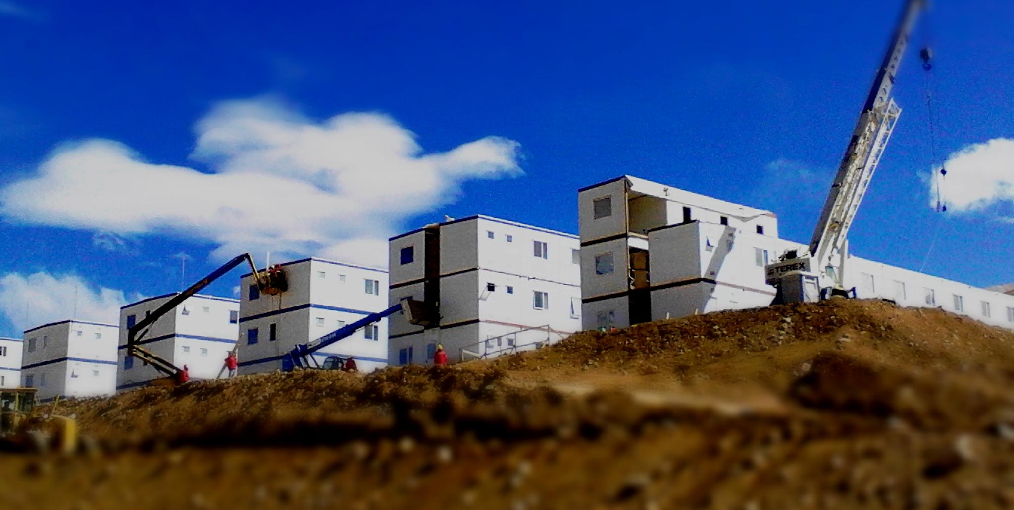 Pascua Lama: 5 nuevos edificios de 3 pisos.