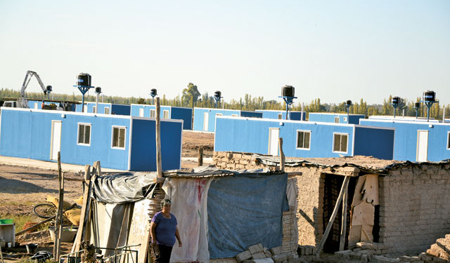 150 viviendas modulares, Gobierno de San Juan
